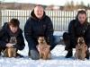 Nytt forsøk på familiebilde, gikk litt bedre denne gangen ;) Indy, Lotta og Axa
